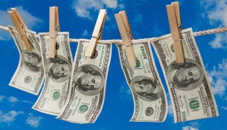 RDC: les banques s'engagent à mieux lutter contre le blanchiment d'argent, pour sauver l'accès aux services internationaux de compensation