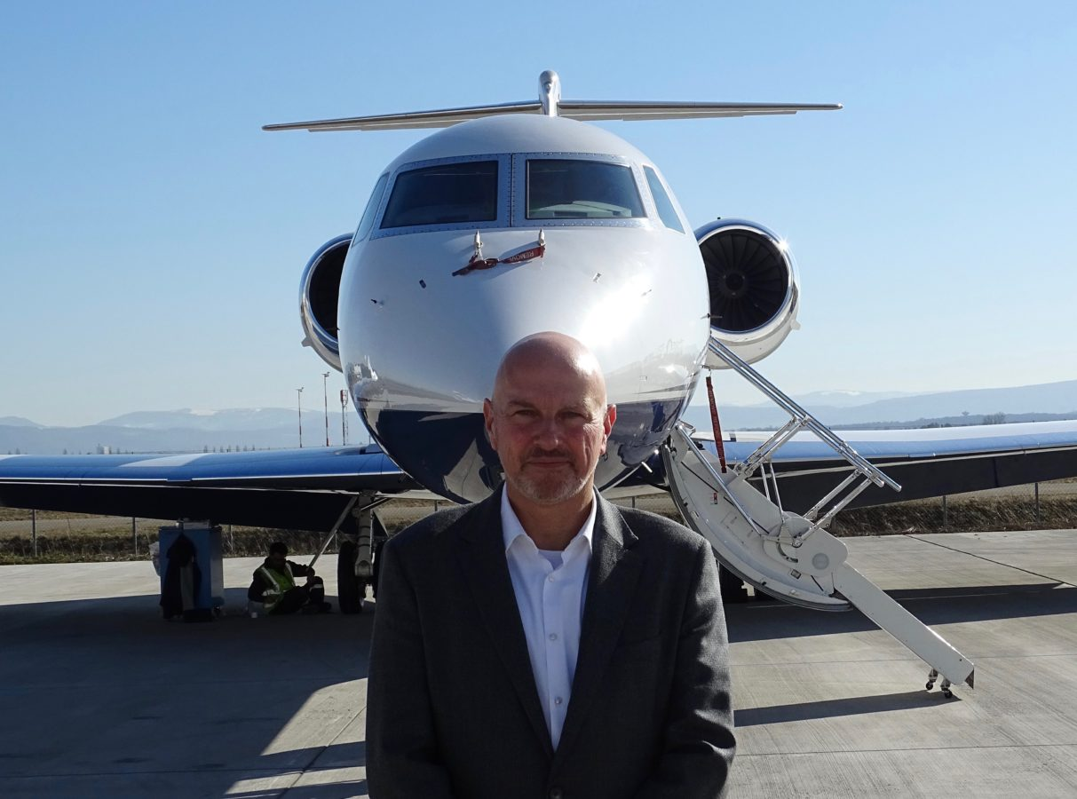 John Parnis, du secteur automobile au sommet du nettoyage des jets privés
