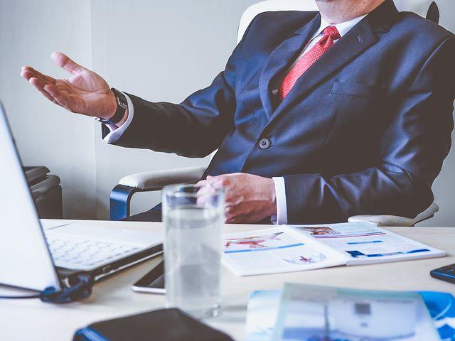 Comment un chef d'entreprise peut naviguer entre planification et action ?