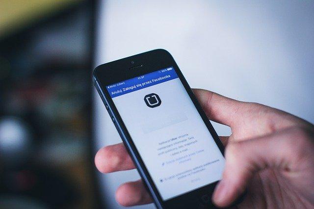 Le torchon brûle entre Apple et Facebook