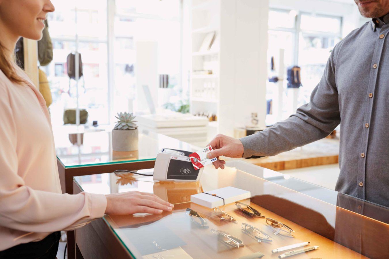 Nouveau moyen de faire un don: Visa Card de la Chaîne du Bonheur