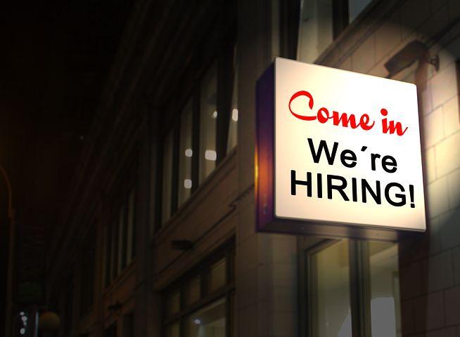 Suisse romande, leader de la hausse du nombre d'offres d'emploi publiées, à +5.7%