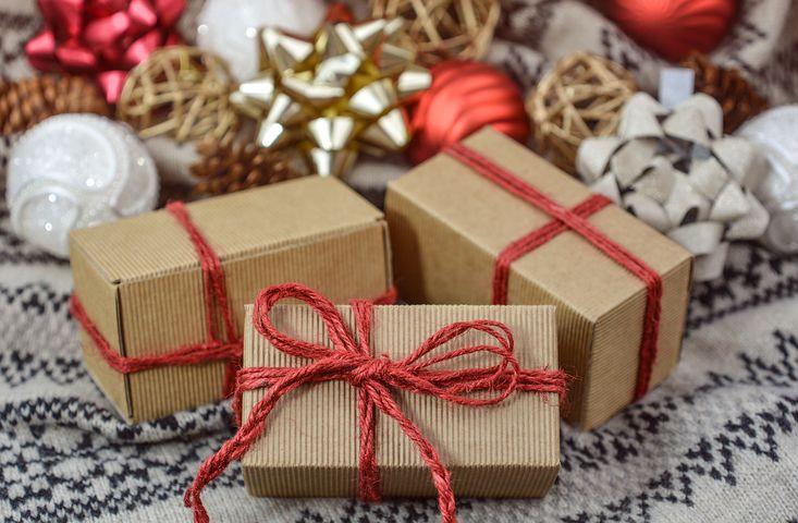 Noël 2018: les budgets pour les cadeaux atteignent un niveau record – les grands magasins en profitent le plus