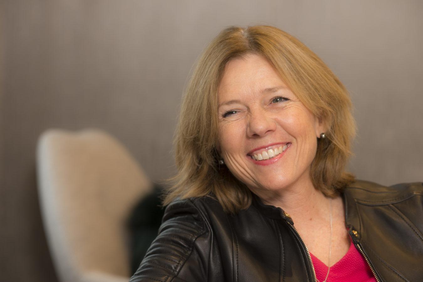 Interview Mme. Elisabeth Thorens: Je suis très satisfaite de mon parcours professionnel car j'ai réalisé toutes mes envies