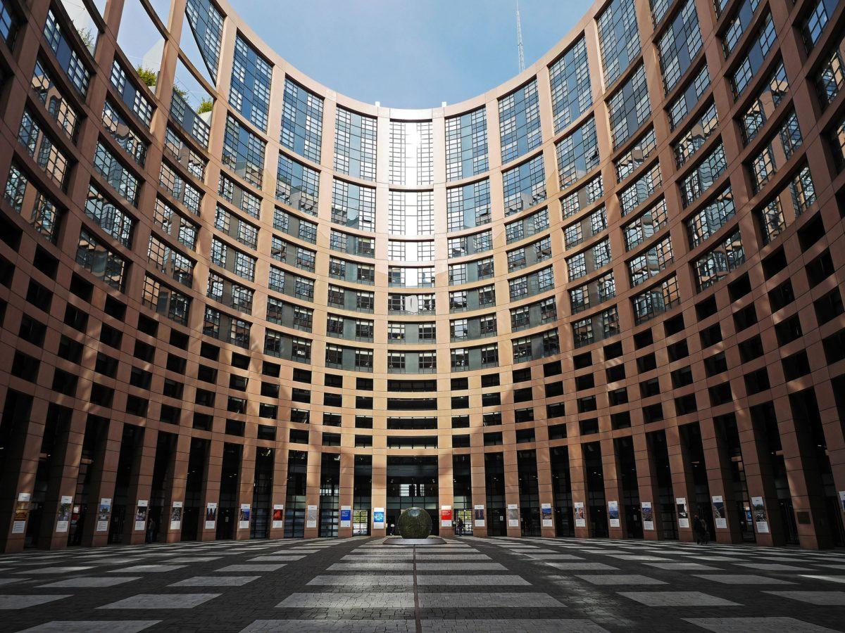 LE JOUR OU MACRON S'EST ATTAQUE A LA REGLE EUROPEENNE DES 3% DE DEFICIT PUBLIC