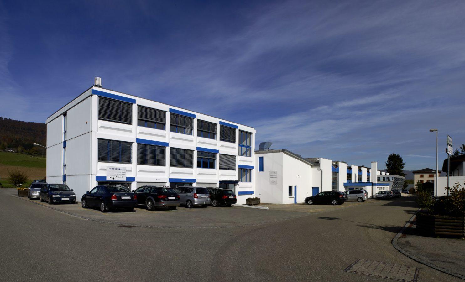 Diener AG Precision Machining et Diener Precision Pumps rejoignent le groupe Acrotec.