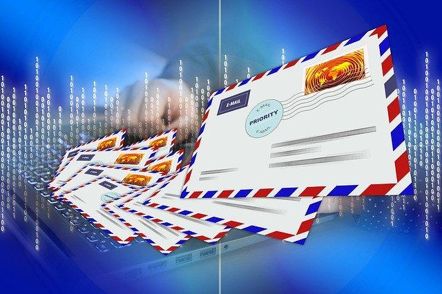 Concilier CRM et campagnes emailing pour une relation client digitale réussie