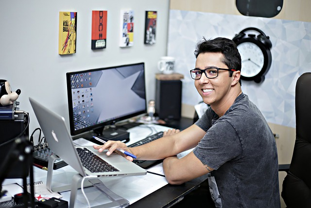 Être heureux au travail : mode d'emploi
