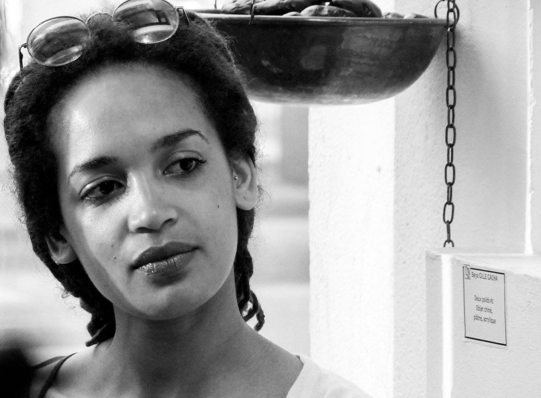 INTERVIEW de Beya GILLE GACHA:  «je peux toucher au niveau de base de tous les métiers pour imaginer ou réaliser certaines pièces»