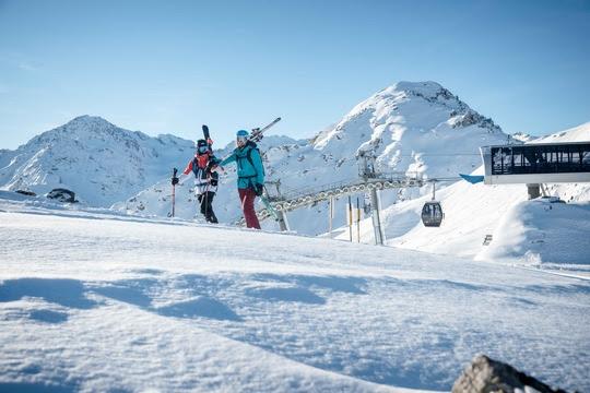 Une première offensive de l'hiver bénéfique pour le tourisme et les remontées mécaniques du Valais