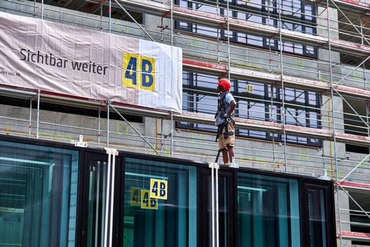 4B se distingue par une croissance continue qui ouvre à l'entreprise de réjouissantes perspectives
